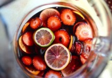 How To Make Summer Sangria