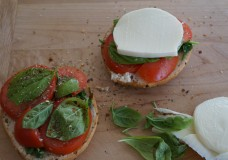 Quick and Easy Snack Idea: Bagel, Tomato and Mozzarella