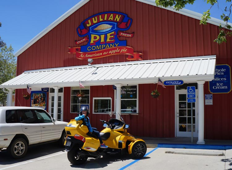 Pie-Can-Am-750